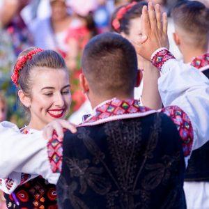 Splendoarea tradiţiilor româneşti, un regal al bucuriei la Mioveni