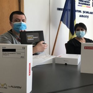 La ce şcoli au ajuns tabletele donate de Renault